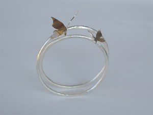 Alae Argentum, butterflybangle